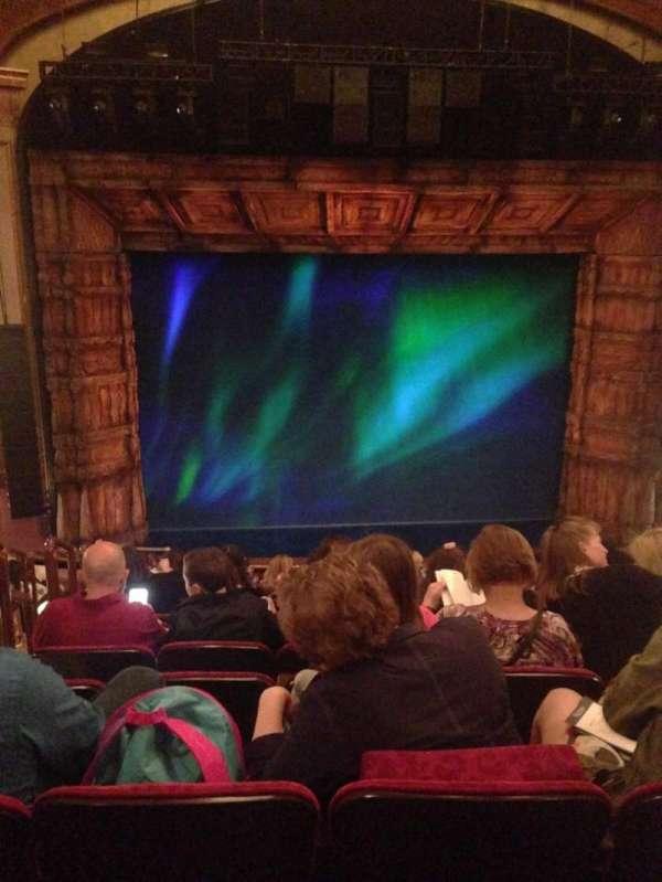 St. James Theatre, sección: MEZZC, fila: L, asiento: 114