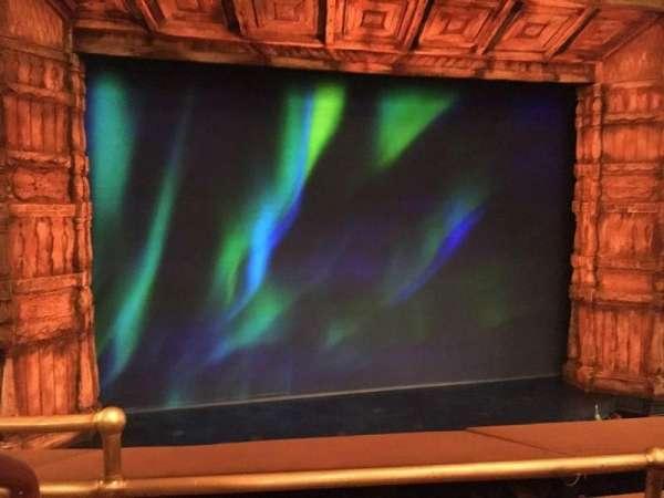 St. James Theatre, sección: MEZZC, fila: B, asiento: 115