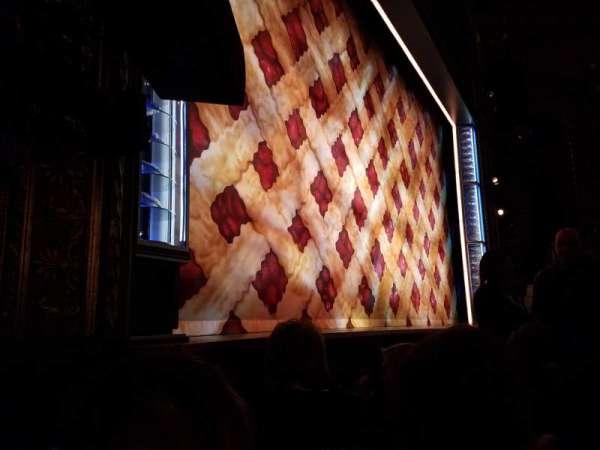 Brooks Atkinson Theatre, sección: ORCH-L, fila: B, asiento: 13