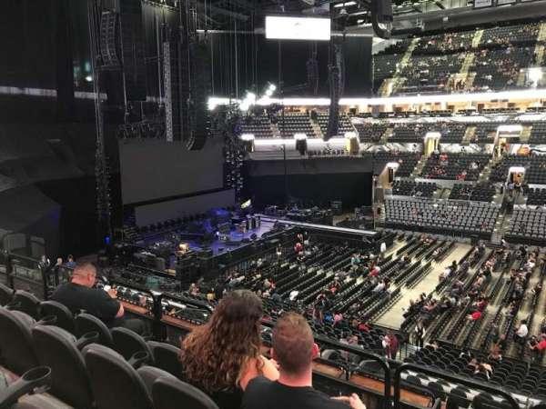 AT&T Center, sección: 107, fila: 32, asiento: 9