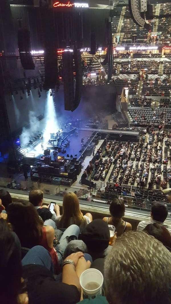 AT&T Center, sección: 209, fila: 4, asiento: 13