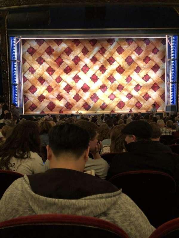 Brooks Atkinson Theatre, sección: ORCH, fila: O, asiento: 106