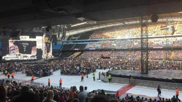Etihad Stadium (Manchester), sección: 122, fila: CC
