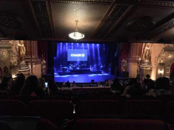 Beacon Theatre, sección: LOGE1, fila: K, asiento: 3