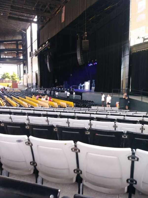Hollywood Casino Amphitheatre (Tinley Park), sección: 101, fila: U, asiento: 10