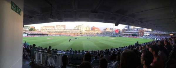 Lord's Cricket Ground , sección: Grand Stand Lower Tier Block 12, fila: 17, asiento: 90