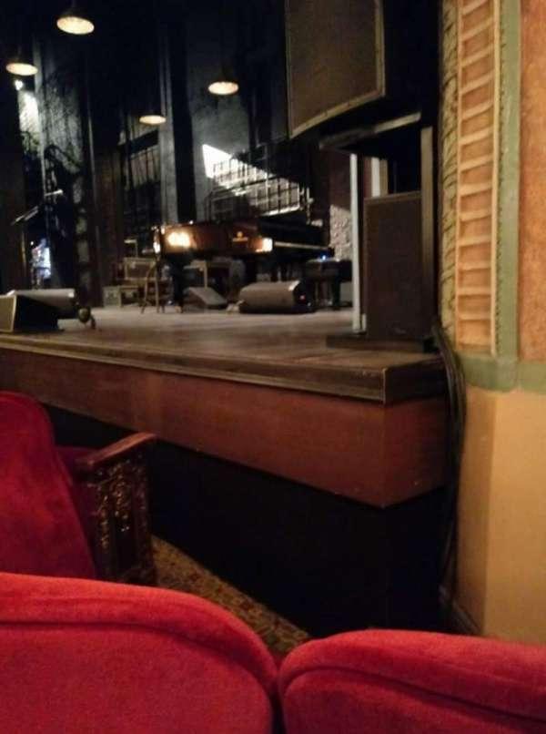 Walter Kerr Theatre, sección: ORCH R, fila: D, asiento: 14