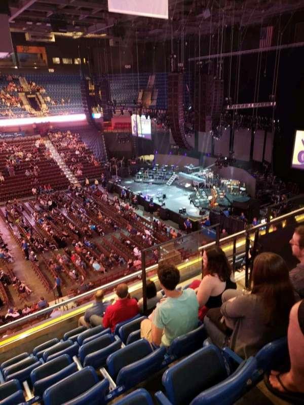 Mohegan Sun Arena, sección: 109, fila: G, asiento: 5