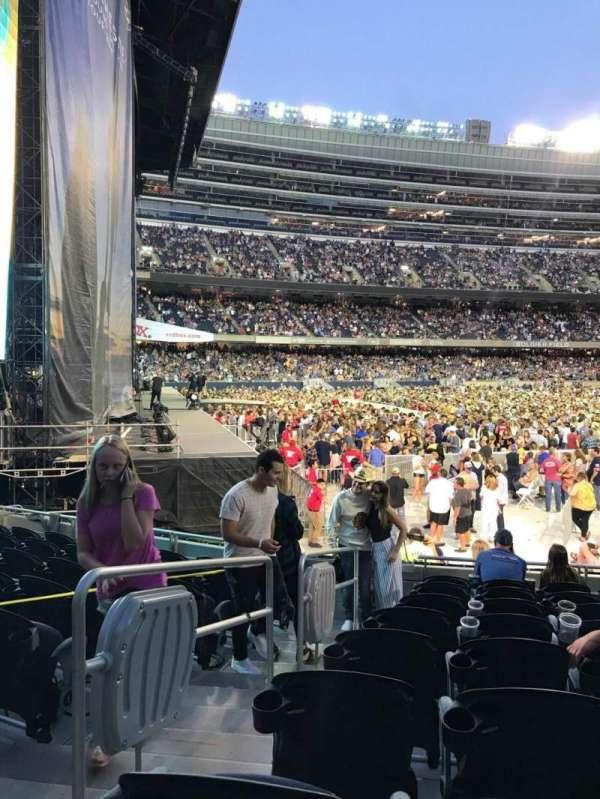 Soldier Field, sección: 144, fila: 9, asiento: 2