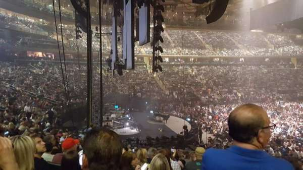 Madison Square Garden, sección: 114, fila: 19, asiento: 20