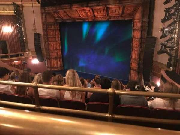 St. James Theatre, sección: Rear Mezz, fila: J, asiento: 20