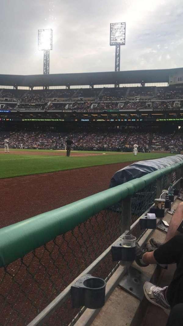 PNC Park, sección: 28, fila: A, asiento: 9
