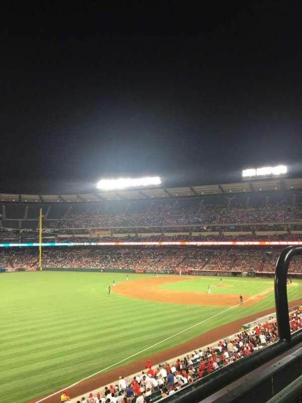 Angel Stadium, sección: C306, fila: 1, asiento: 13
