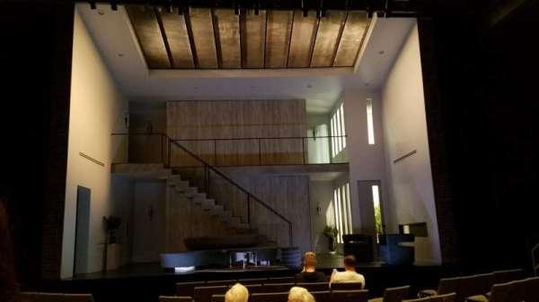 Laura Pels Theatre, sección: Orchestra, fila: K, asiento: 109
