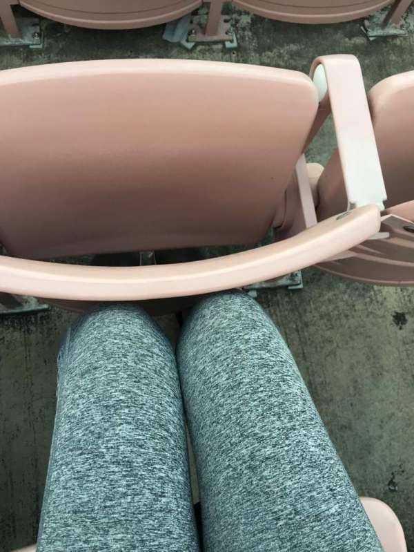 Rose Bowl, sección: 18-H, fila: 18, asiento: 116