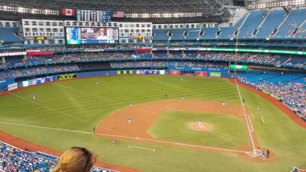 Rogers Centre, sección: 528R, fila: 2, asiento: 5