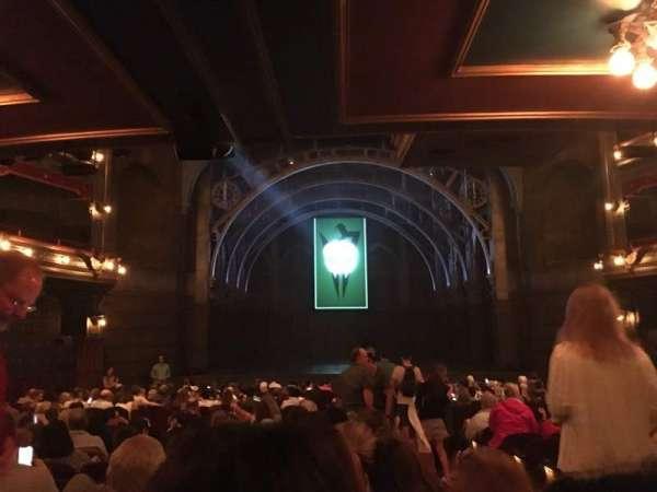 Lyric Theatre, sección: Orchestra, fila: V, asiento: 3