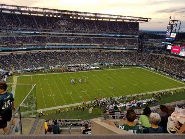 Lincoln Financial Field, sección: 222, fila: 9, asiento: 24
