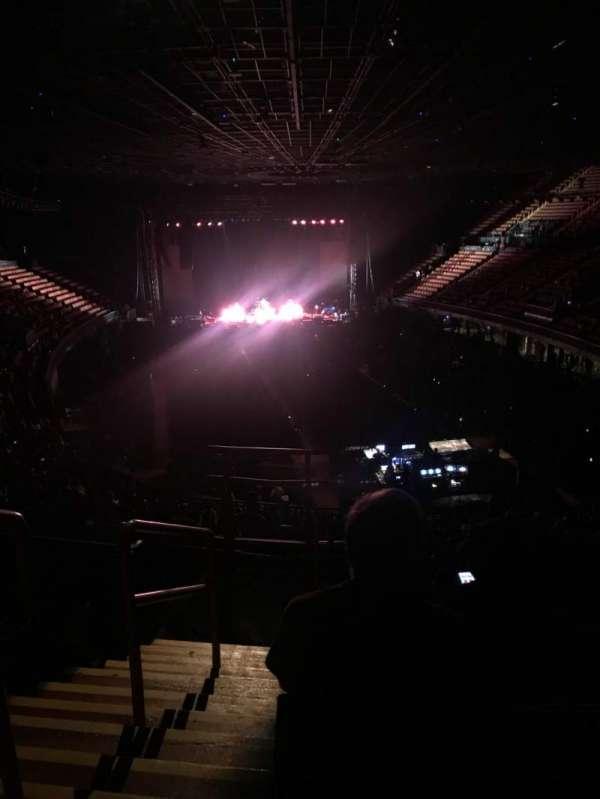 The Forum, sección: 235, fila: 7, asiento: 1