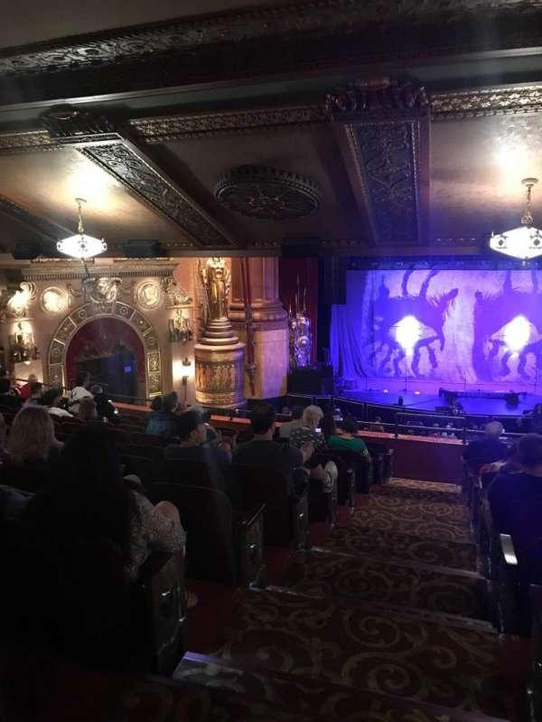 Beacon Theatre, sección: Life 2, fila: F, asiento: 6