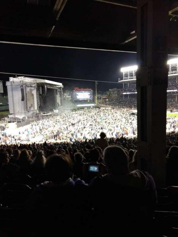 Wrigley Field, sección: 204, fila: 19, asiento: 105