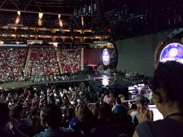 Toyota Center, sección: 106, fila: 18, asiento: 7