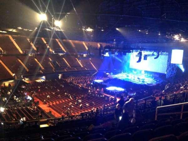 The Forum, sección: 205, fila: 11, asiento: 8