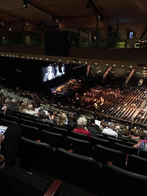 Madison Square Garden, sección: 225, fila: 23, asiento: 22