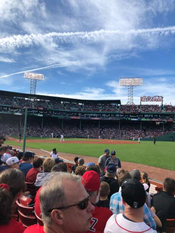 Fenway Park, sección: Right Field Box 7, fila: E, asiento: 14