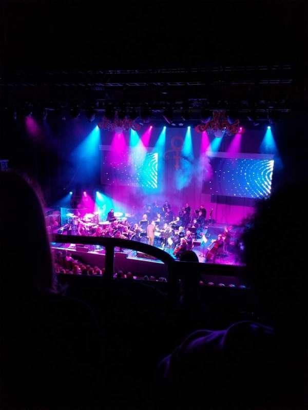 Chicago Theatre, sección: Loge3R, fila: BB, asiento: 308