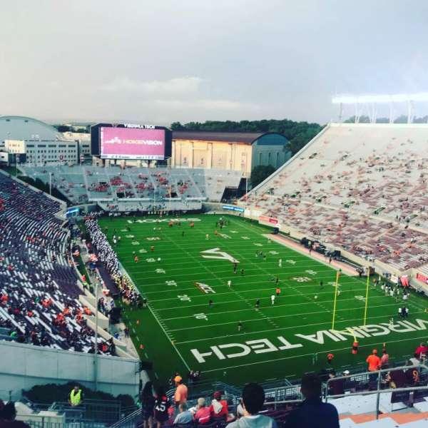 Lane Stadium, sección: 508, fila: S, asiento: 11