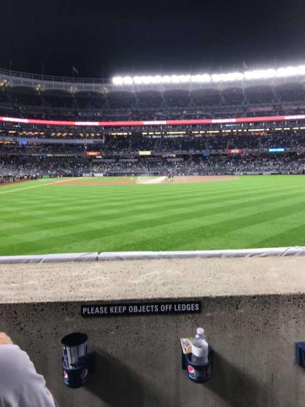 Yankee Stadium, sección: 105, fila: 2, asiento: 17 - 18