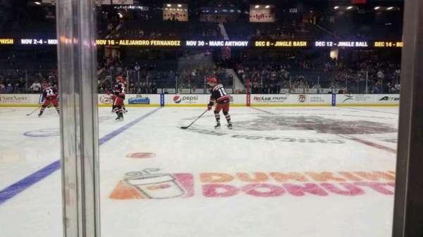 Allstate Arena, sección: 103, fila: AA, asiento: 9