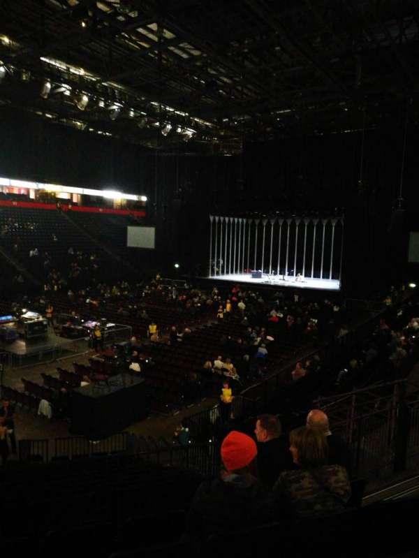 Manchester arena, sección: 111, fila: Q, asiento: 10