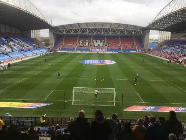 DW Stadium , sección: N4, fila: AA, asiento: 89