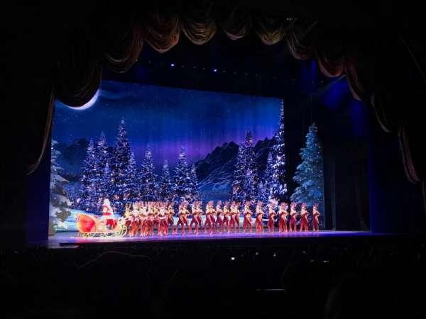 Radio City Music Hall, sección: Orchestra6, fila: B, asiento: 605