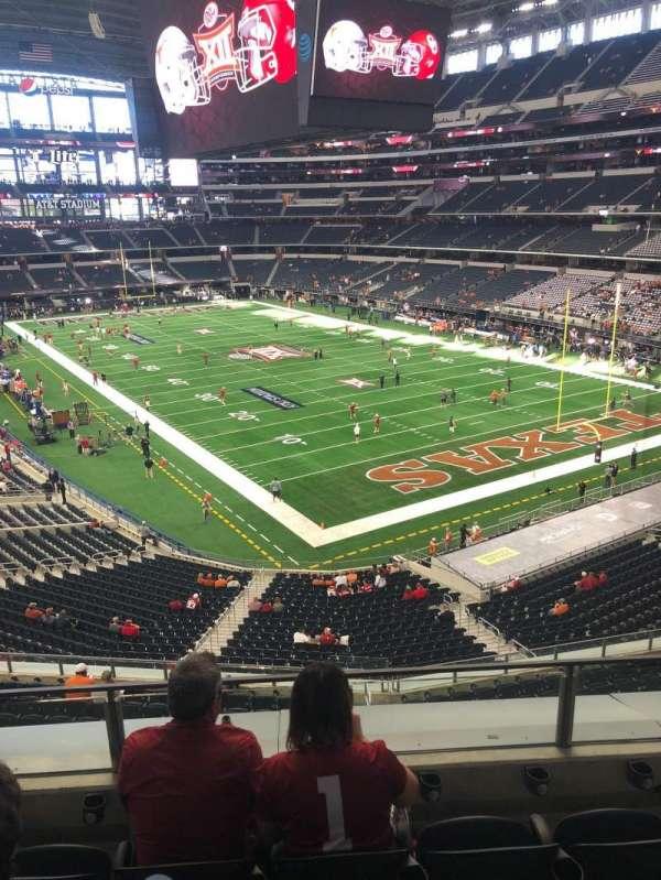 AT&T Stadium, sección: 302, fila: 4, asiento: 22