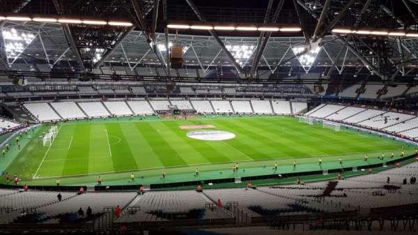 London stadium, sección: 233, fila: 65, asiento: 318