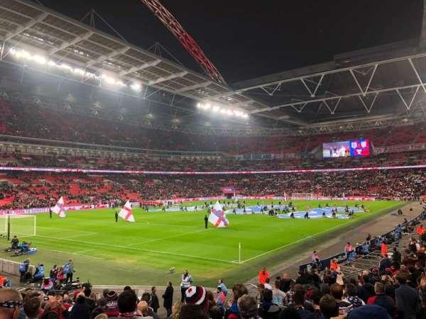 Wembley Stadium, sección: 130, fila: 22, asiento: 192