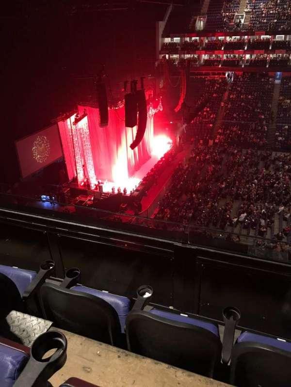 The O2 Arena, sección: 403, fila: C, asiento: 501