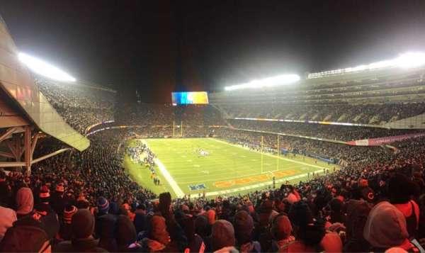 Soldier Field, sección: 325, fila: 10, asiento: 5