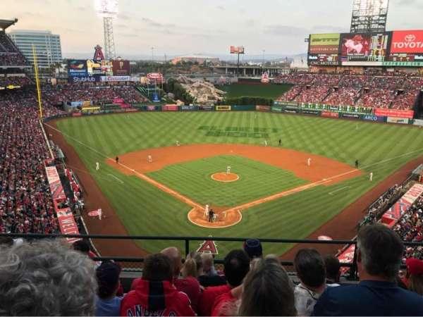 Angel Stadium, sección: 419, fila: E, asiento: 10