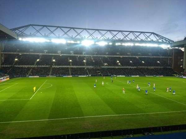 Ibrox Stadium, sección: Bar 72, fila: A, asiento: 168