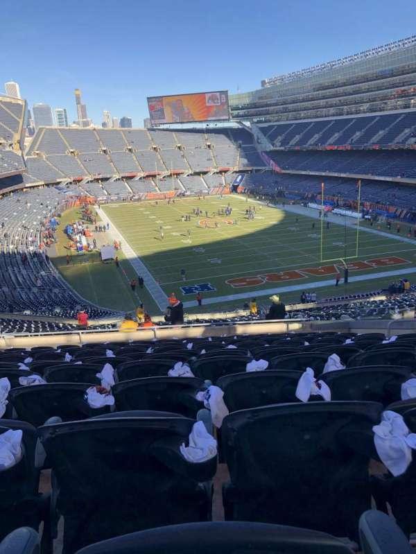 Soldier Field, sección: 335, fila: 12, asiento: 11