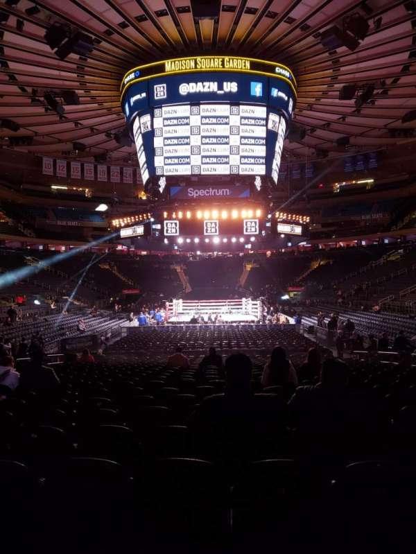 Madison Square Garden, sección: 102, fila: 6, asiento: 8