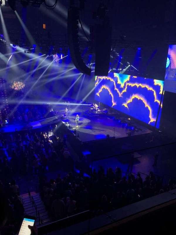 Mohegan Sun Arena, sección: 106, fila: B, asiento: 2