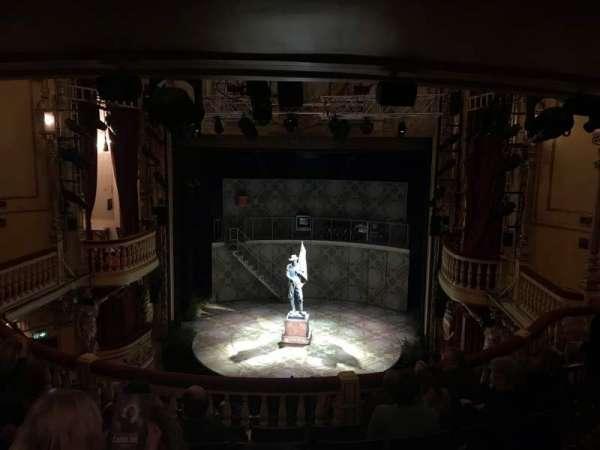 Playhouse Theatre, sección: DC, fila: F, asiento: 13