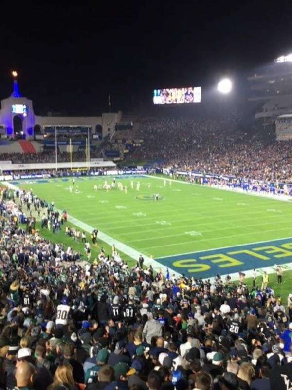 Los Angeles Memorial Coliseum, sección: 17L, fila: 46, asiento: 1