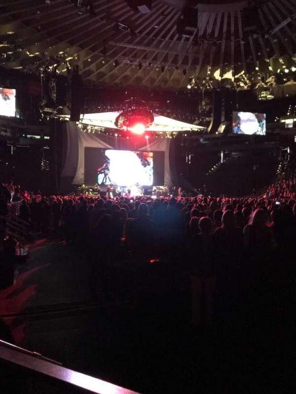Oracle Arena, sección: 10, fila: A4, asiento: 9