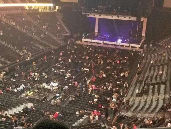 T-Mobile Arena, sección: 209, fila: B, asiento: 15